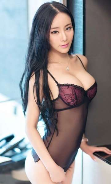 Manhattan Asian Baby y Petite Asian Cutie | premium new york city escorts | cityvibe