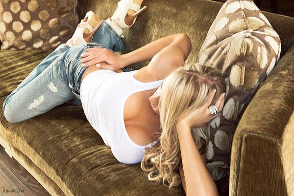 Marissa Morgan | Blonde Female Entertainer | Slixa